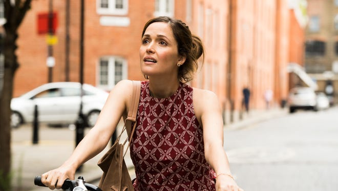 """Annie (Rose Byrne) lives on the coast of England in """"Juliet, Naked."""""""