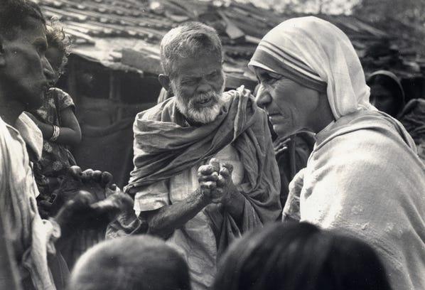 AP_D_MOTHER_TERESA_POPE_16_BLIFE
