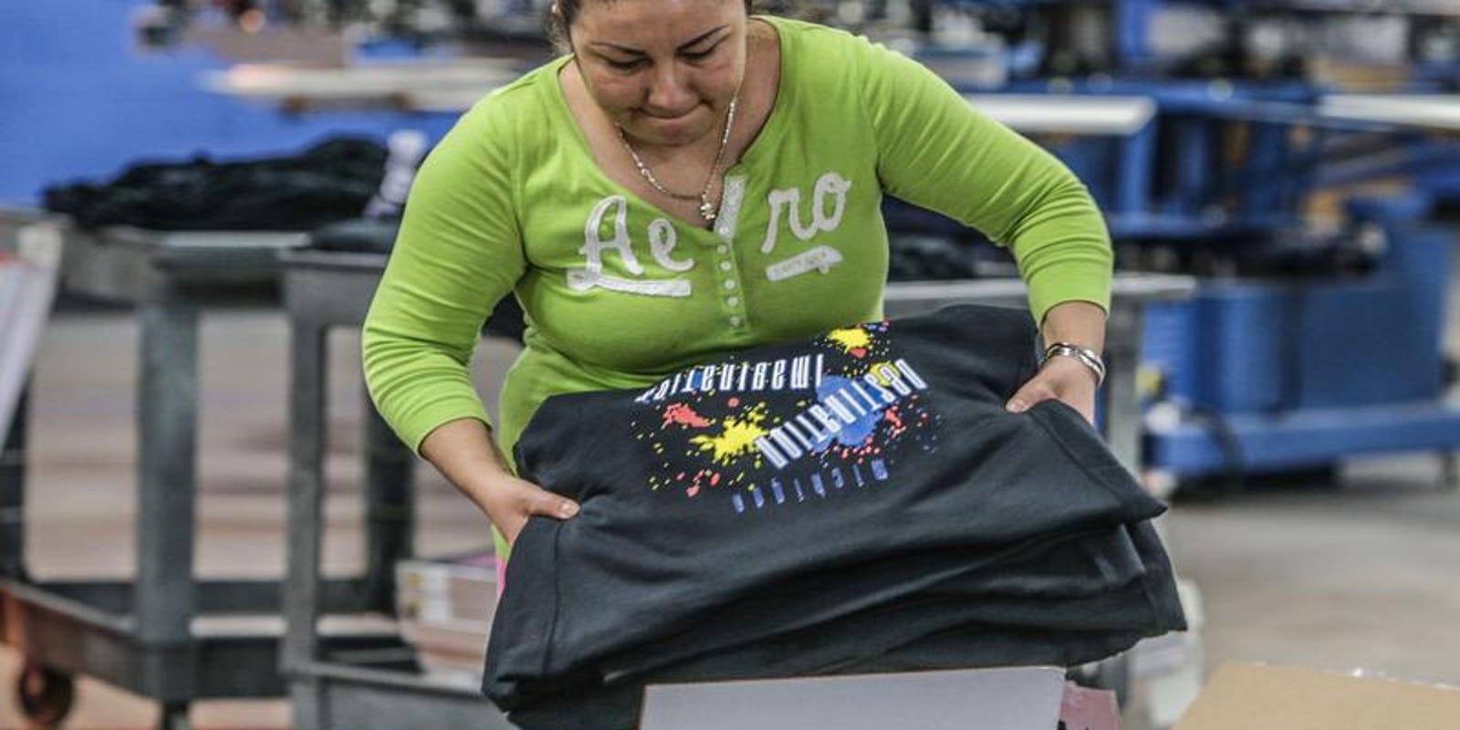 T-shirt printer ooShirts goes digital in a big way