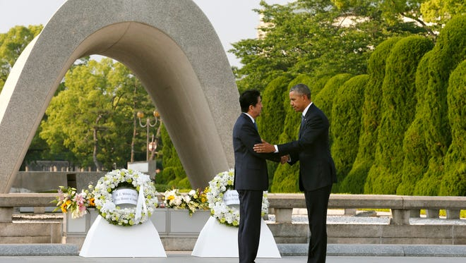 President Obama and Japanese Prime Minister Shinzo Abe in Hiroshima on May 27, 2016.