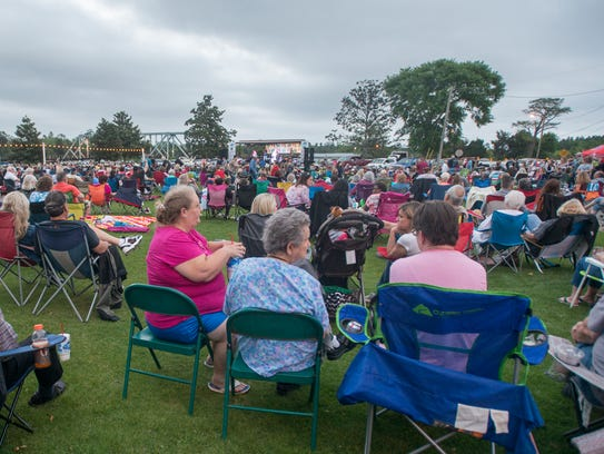 A large crowd listen during the Bands on the Blackwater