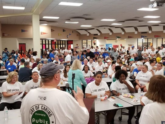 Approximately 400 people enjoyed breakfast and a brief