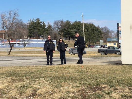 Des Moines police investigate a shooting near the southside