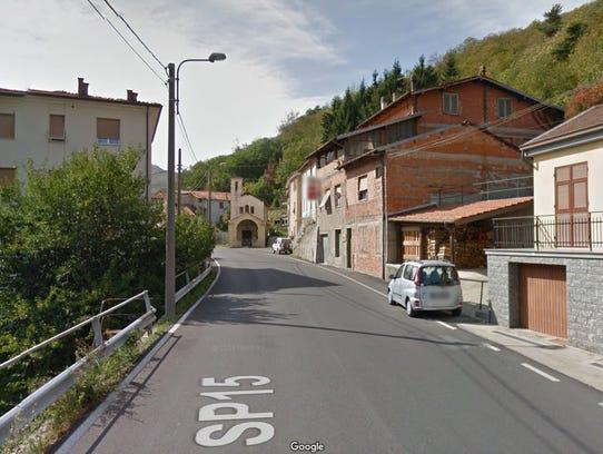 The main street in Bormida.