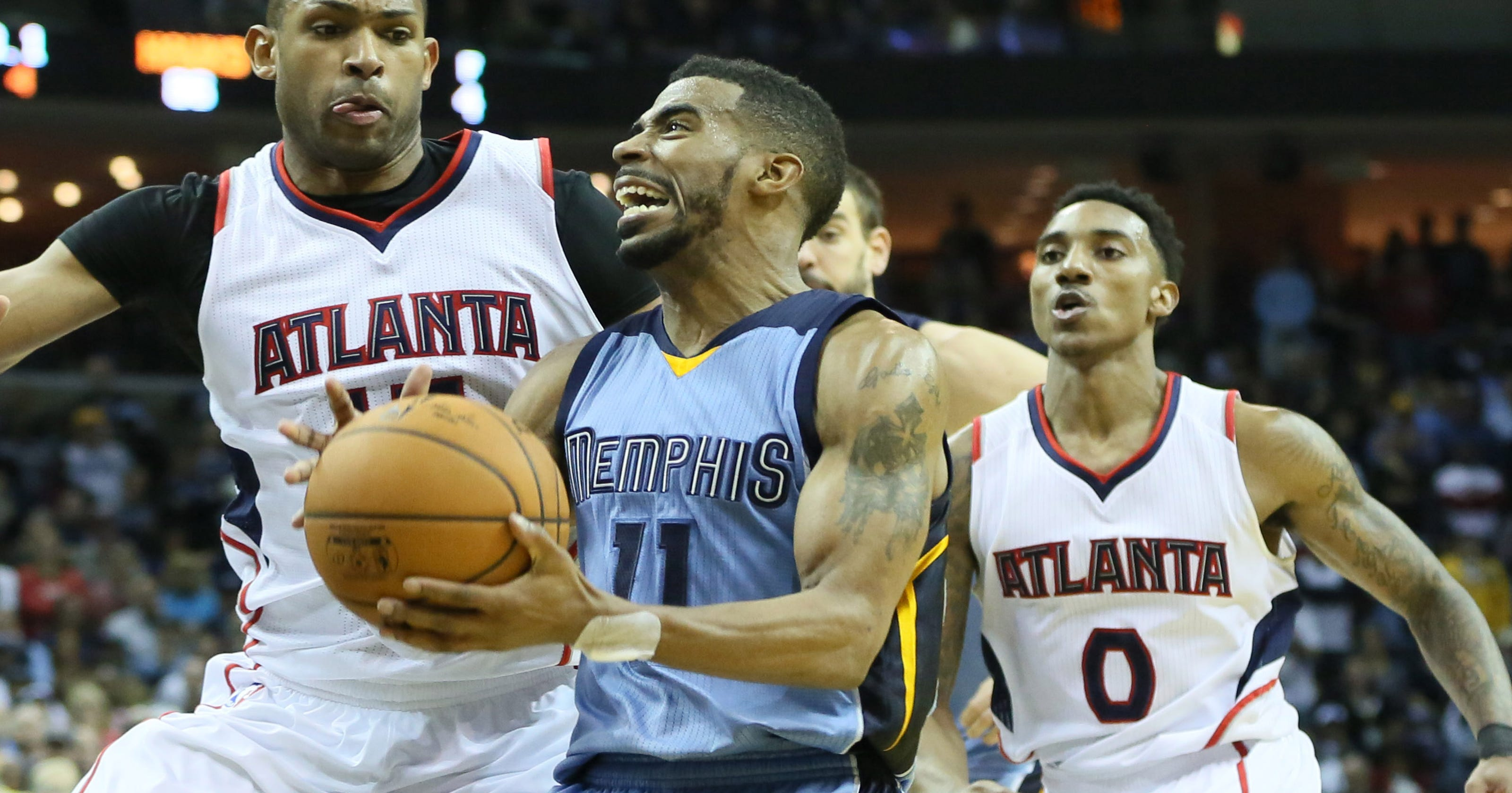 596a7161075 Grizzlies survive three-pointers to top Hawks