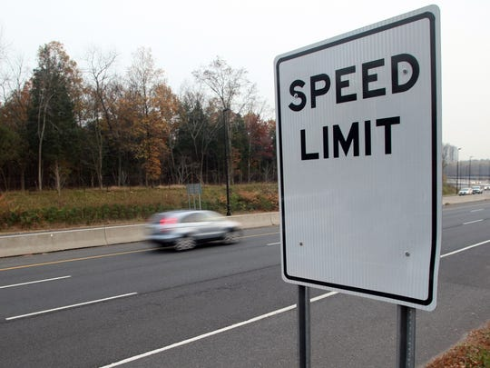 A blank speed limit sign, Tuesday, November 10, 2009, along Route 18 southbound in Piscataway.