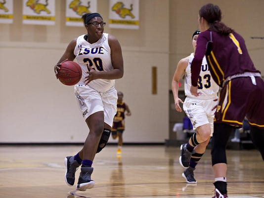 20171116-LSUE-Basketball-PearlRiver-Gold-20