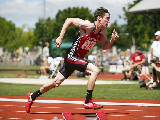 Central's Issac Burgett takes off in the 5A 400 meter dash at the 2017 OSAA track and field state championships on Saturday, May 20, 2017, at Hayward Field in Eugene, Ore.