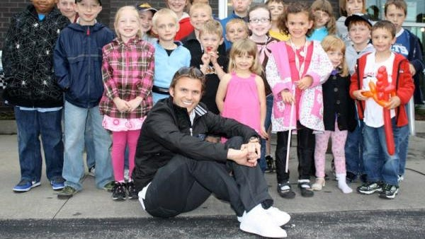 Dan Wheldon stole the show at the 2011 Carb Night Burger Bash, and he went on to win the 500 two days later.