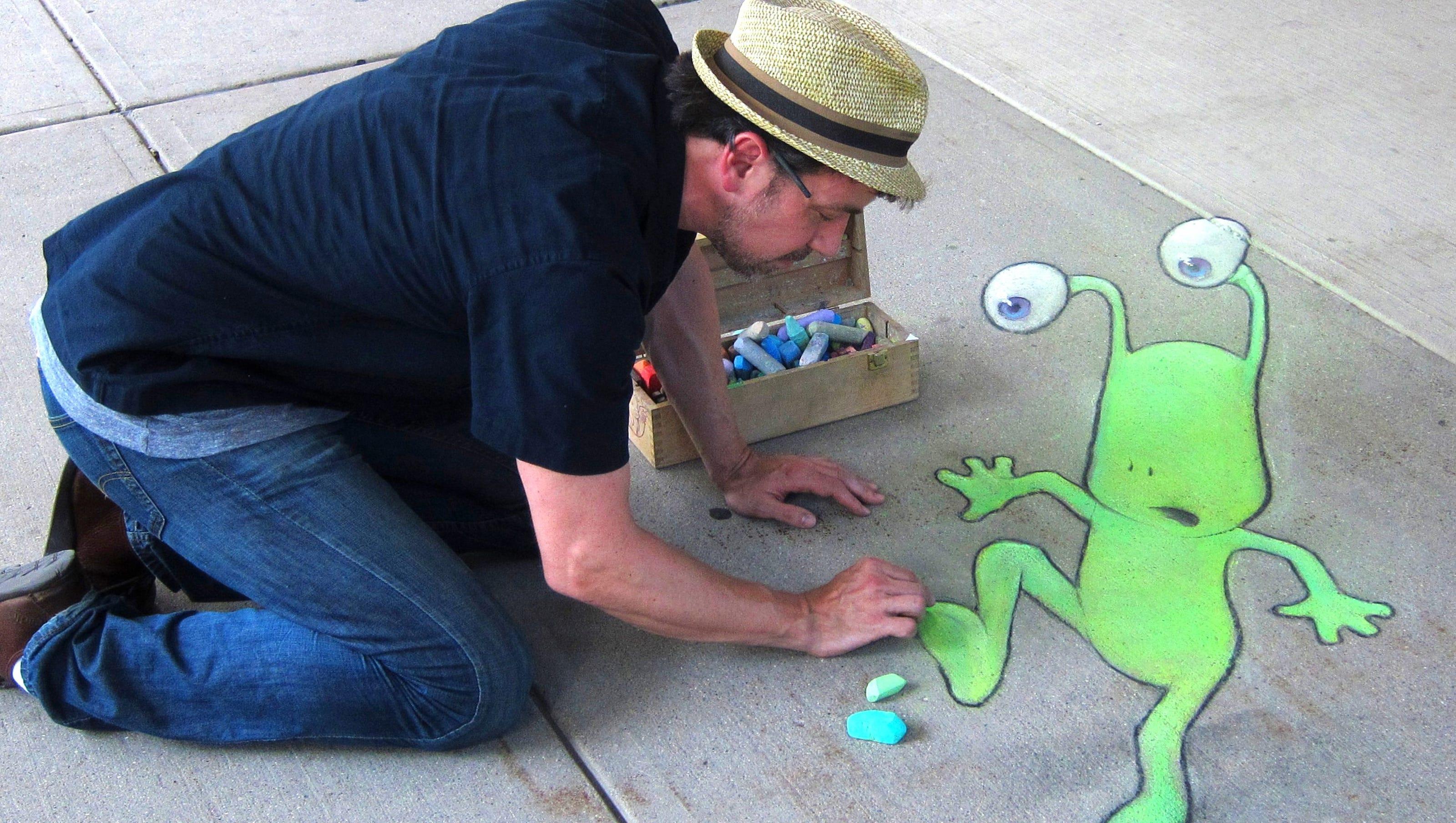3D chalk artist wants community to help create 'masterpiece' in Hyne Alley in Brighton