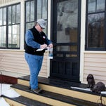 9 photos: Campaigners canvass Des Moines neighborhoods