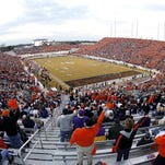 SHREVEPORT, LA - DECEMBER 28: A general view of the PetroSun Independence Bowl between Alabama and Oklahoma State on December 28, 2006 at Independence Stadium in Shreveport, Louisiana. (Photo by Chris Graythen/Getty Images)