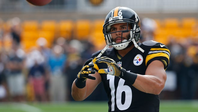 Pittsburgh Steelers wide receiver Lance Moore warms up before a game against the Tampa Bay Buccaneers on Sept. 28, 2014, in Pittsburgh.