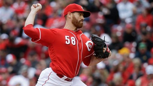 Dan Straily made his Reds debut Sunday against the Pirates.