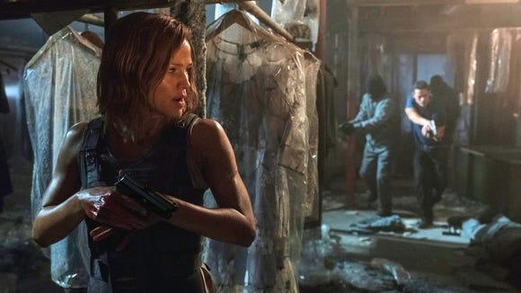 """Jennifer Garner kicks it in """"Peppermint."""""""