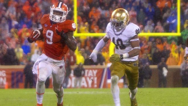 No. 6 Notre Dame fell to No. 12 Clemson, 24-22.