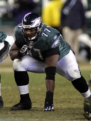 Philadelphia Eagles offensive lineman Artis Hicks gets set at the line during the NFC championship game against the Atlanta Falcons in this Jan. 23, 2005 photo in Philadelphia. (AP Photo/Miles Kennedy)