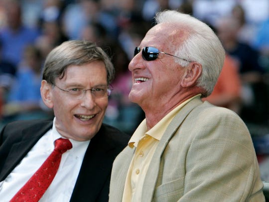 Bud Selig (left) will join Brewers broadcaster Bob