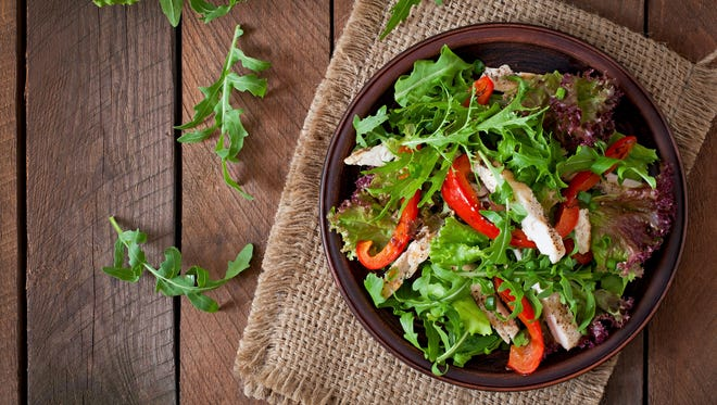 Here are 10 simple tips to safety prepare a salad.