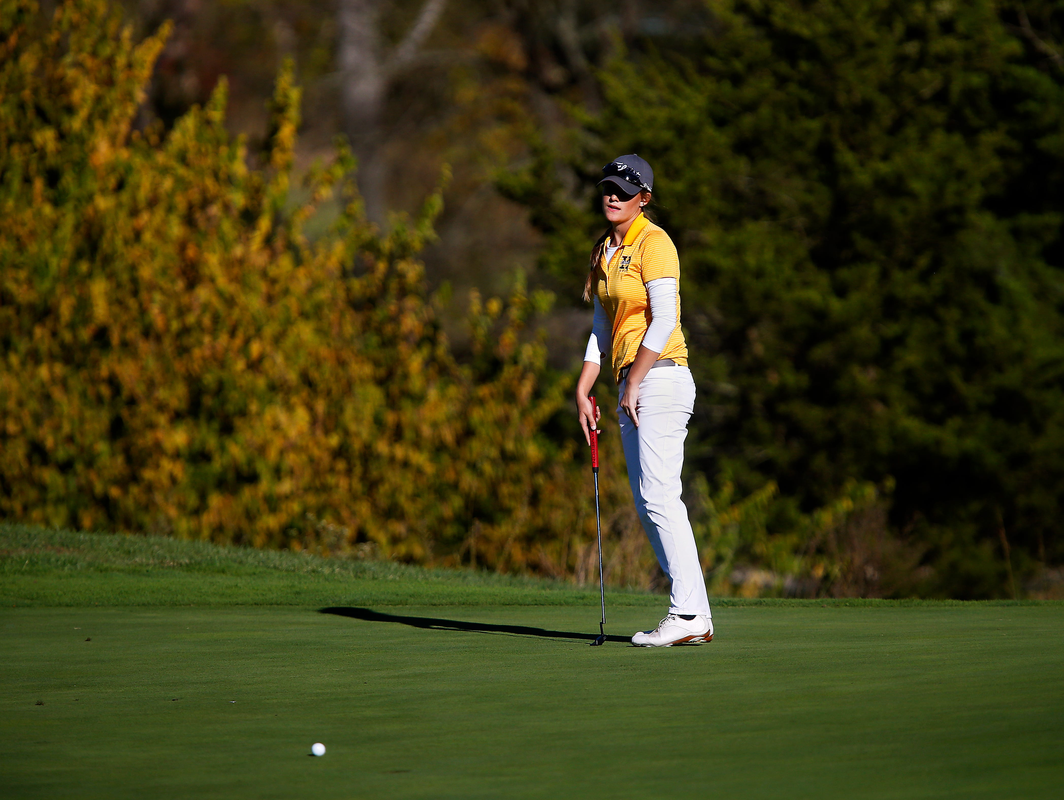 Kickapoo High School golfer Ari Acuff reacts after missing an eagle putt on the 18th hole during the 2015 MSHSAA Class 2 Girls Golf State Championship played at Rivercut Golf Club in Springfield, Mo. on Oct. 13, 2015. The putt would have forced a tie if made but, instead, Taylor BeDell of Warrensburg won the state championship outright.