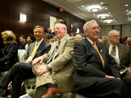 From right, former Tennessee governors Don Sundquist,