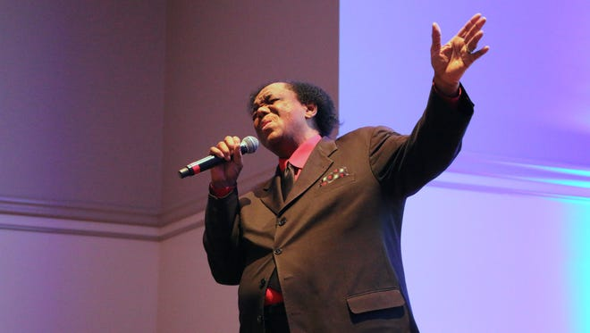 """Lamont Dozier regales a crowd at Middle Tennessee State University with his own rendition of his songwriting hit for Marvin Gaye, """"How Sweet It Is (To Be Loved By You)."""""""