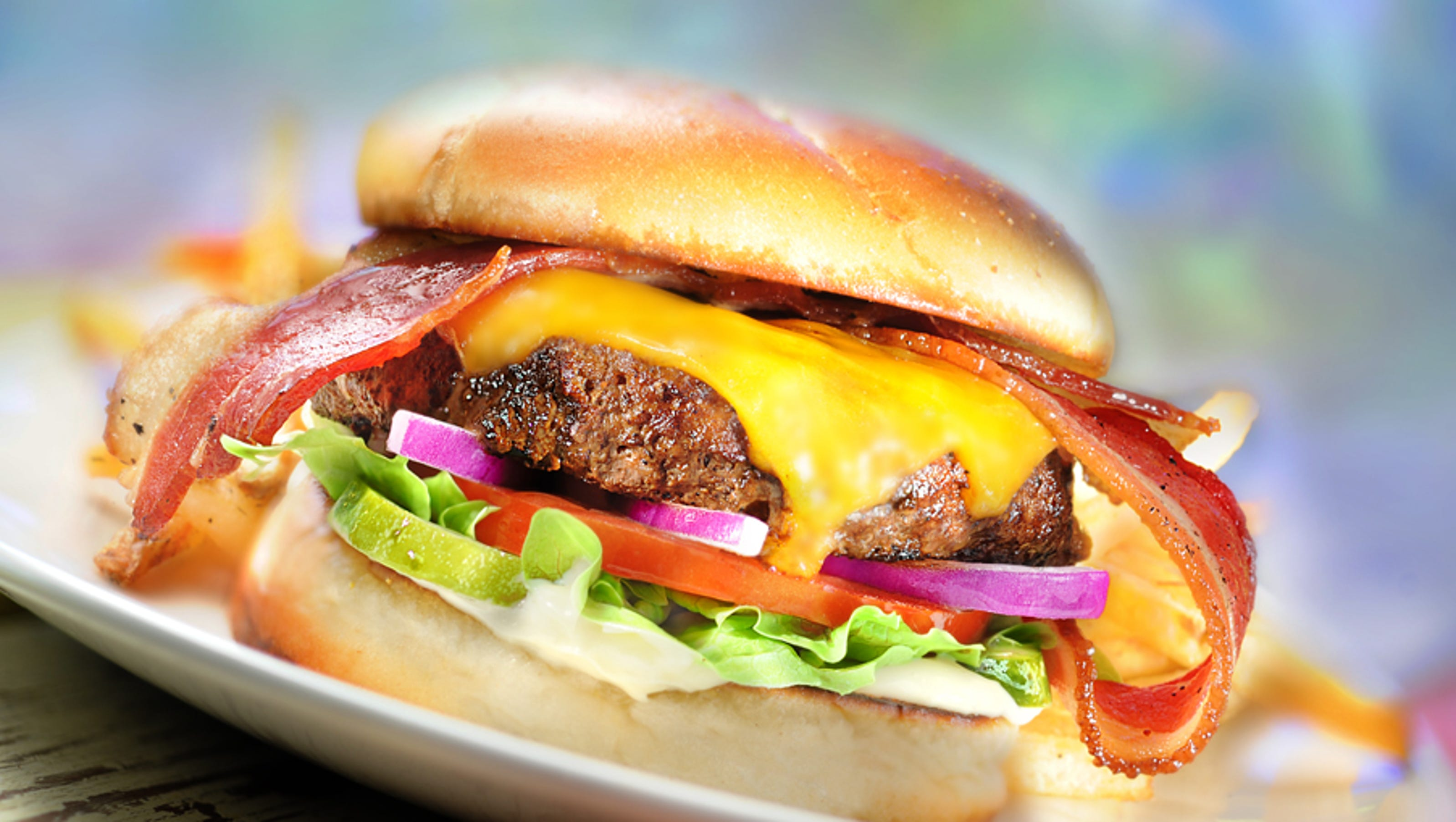 cheeseburger in paradise Cheeseburger in paradise is a casual dining restaurant chain in the united states the first restaurant opened on august 19, 2002, in the southport area of.