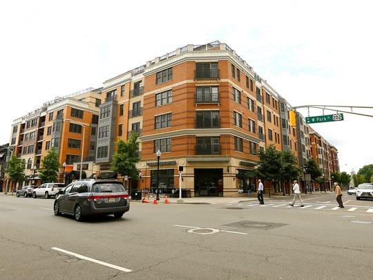 Metropolitan at 40 Park luxury condominiums in Downtown