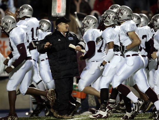 Gary Rankin is coach at Alcoa, which is open-zoned.