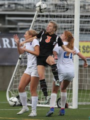 Silverton sophomore Paige Alexander, who led the Foxes