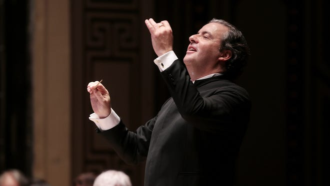 "Juanjo Mena leading Beethoven's ""Missa Solemnis"" with the May Festival Chorus and CSO"