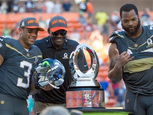 Pro+Bowl+Football_Joyc.jpg