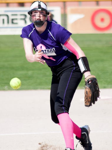 Lakeview's Grace Pierce pitches Tuesday evening against