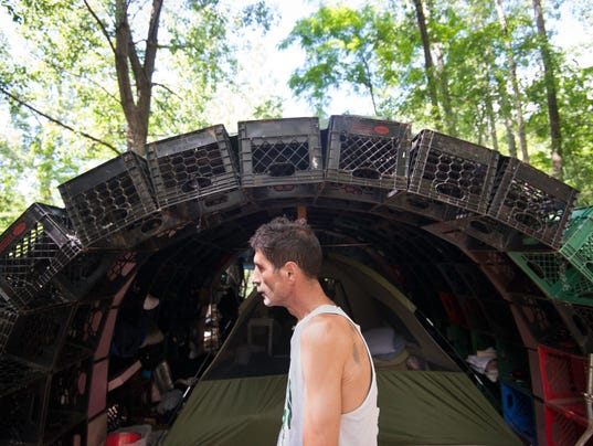-BUR 0606 ED homeless C9.jpg_20120608.jpg