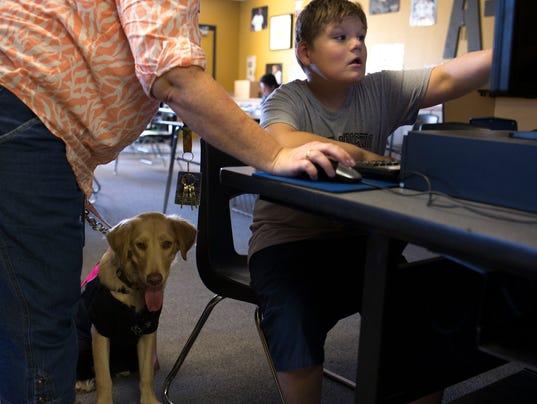 Οι θεραπευτικοί σκύλοι στα σχολεία της Αμερικής...