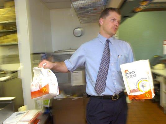 -McDonalds Manager.jpg_20060518.jpg