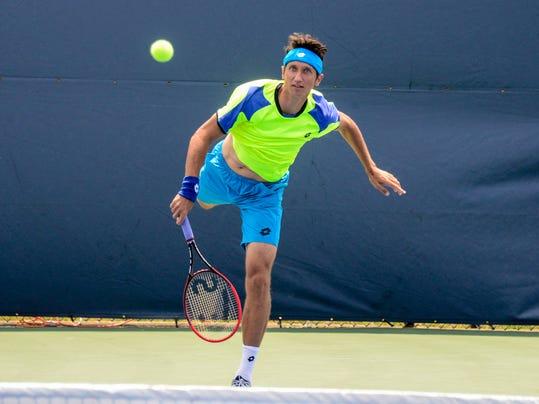 krisBGM_Tennis02.jpg