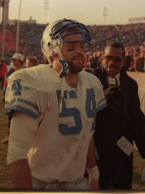 Chris Spielman of the Detroit Lions at the Chicago Bears/Lions game in Chicago during the 1996 season.  Detroit Free Press photo by Julian H. Gonzalez