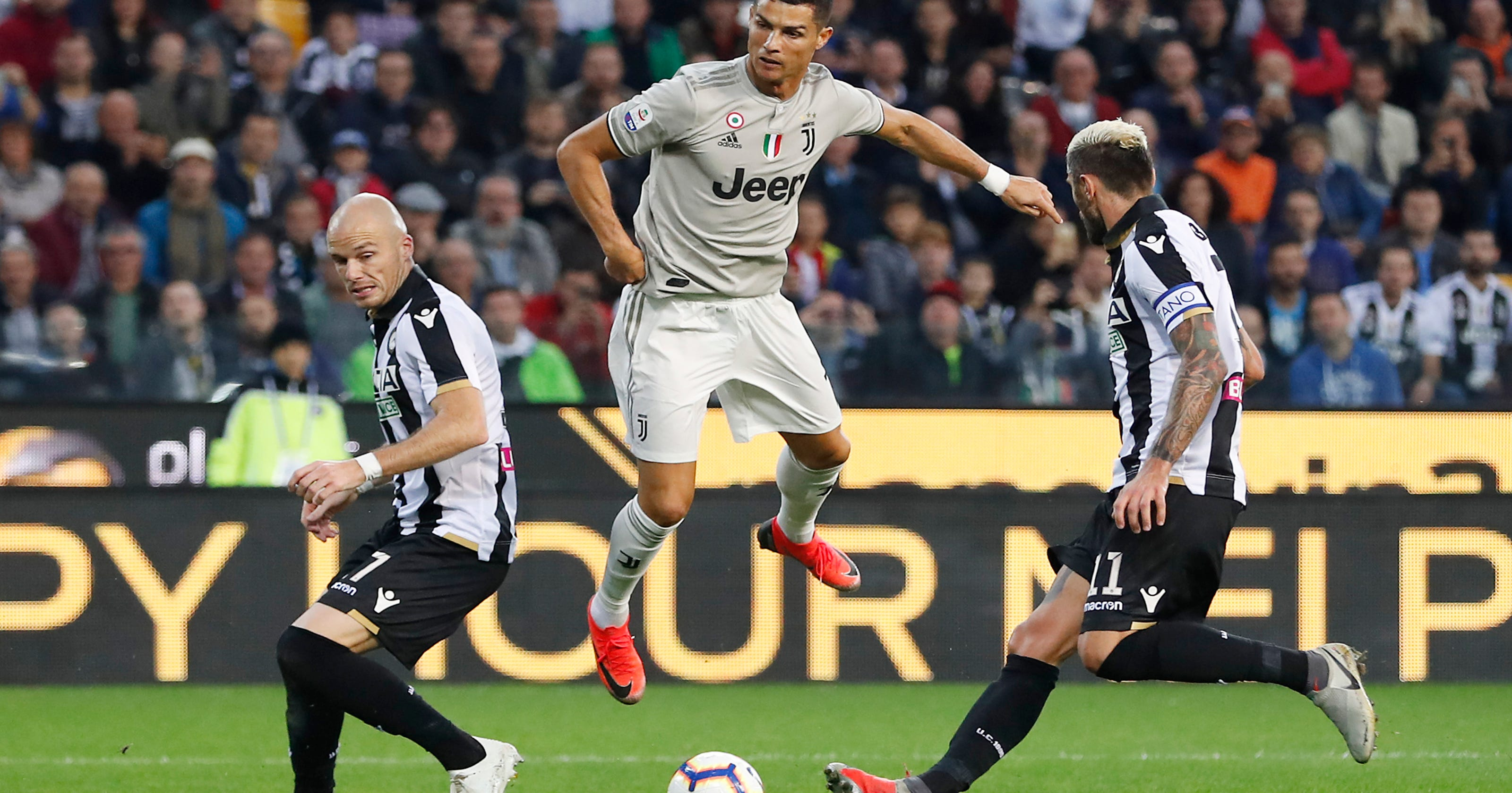 Ronaldo goal helps Juventus extend perfect start in Serie A