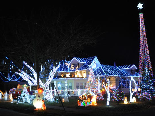 The Rinker's Christmas Light Extravaganza, 429 E. College St., Aurora; http://sgfnow.co/2hb2XyZ?