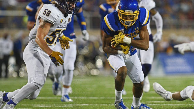 SDSU's Adam Anderson (80) carries the ball during a game against Western Illinois Saturday, Oct. 1, 2016, at Dana J. Dykhouse Stadium on the South Dakota State University campus in Brookings, S.D.