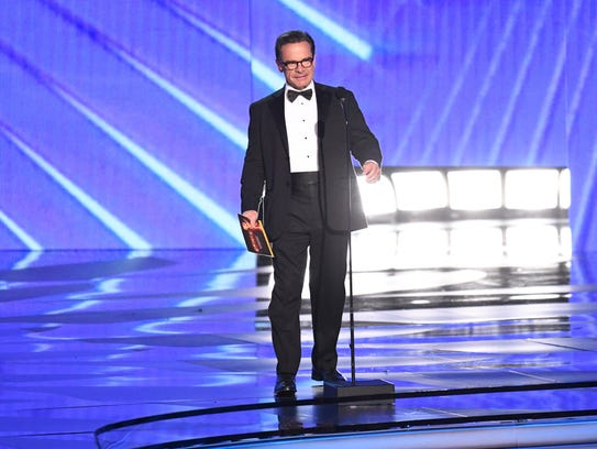 Peter Scolari presents the award for Outstanding Directing