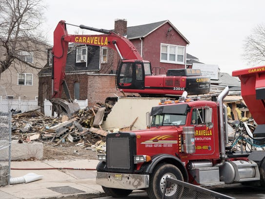 Demolition of 267 Fair Street, a vacant building that