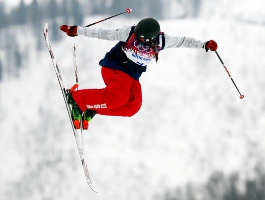 USP Olympics_ Freestyle Skiing-Ladies' Ski Slopest_001