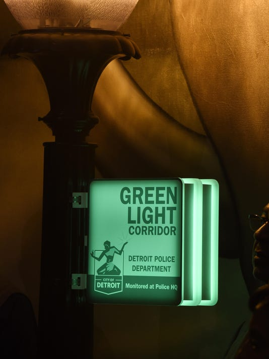 green-light-sign