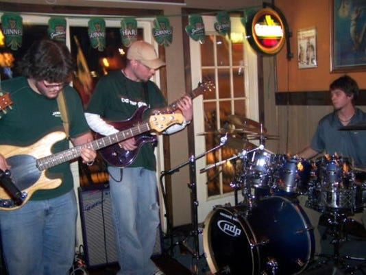 If you re a fan of quick, three-minute Top 40 ditties, Second Self isn t for you. They ve been known to start a song, begin jamming out and then finish it 30 minutes later. From left to right: Nick Stampone, Jimmy Hunter and Jeff Hunter.
