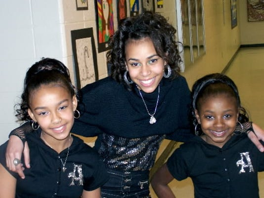 Ciara Ruth, center, goes by Araci when she s on stage. Ruth counts Beyoncé as one of her biggest influences.