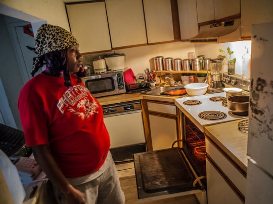 Wilmington resident Lawana Pipkin, a mother of seven children ages 18 to 2, had no milk for breakfast on a recent morning, and couldn't afford to buy more.