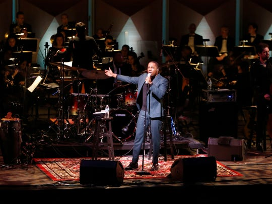 """Leslie Odom Jr.'s performance with the Milwaukee Symphony Orchestra made the Journal Sentinel's list for best concerts of 2018. They're pairing up again for """"A Holiday Special"""" at the Riverside Theater Dec. 11."""
