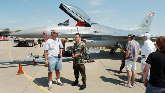 The Madison-based 115th Fighter Wing of the Wisconsin National Guard at EAA AirVenture in 2007.